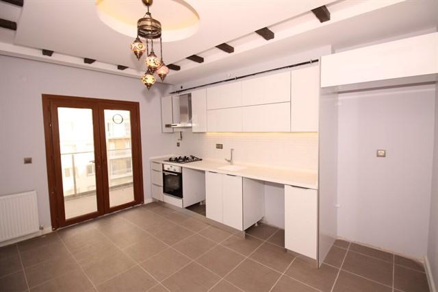 شقة للبيع 3 غرف وصالة في اسطنبول