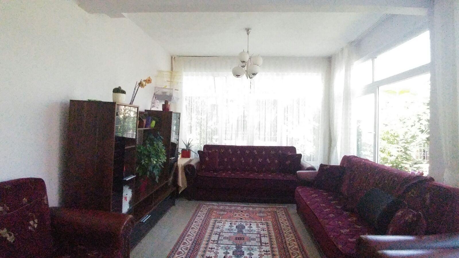 للبيع بيت مستقل في بيوك شيكميجه