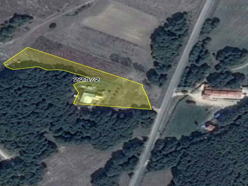 للبيع مزرعة جاهزة مع بيت مستقل في سلفري