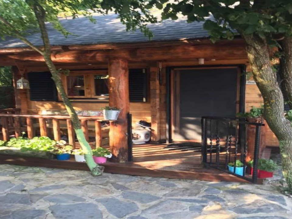 بيت خشبي للبيع في سلفري
